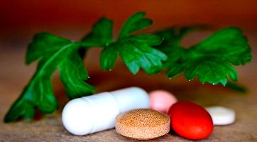 Kun je vitamines over langer dan de houdbaarheidsdatum bewaren?